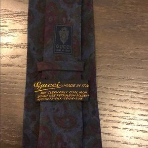 Gucci 100% Silk made in Italy